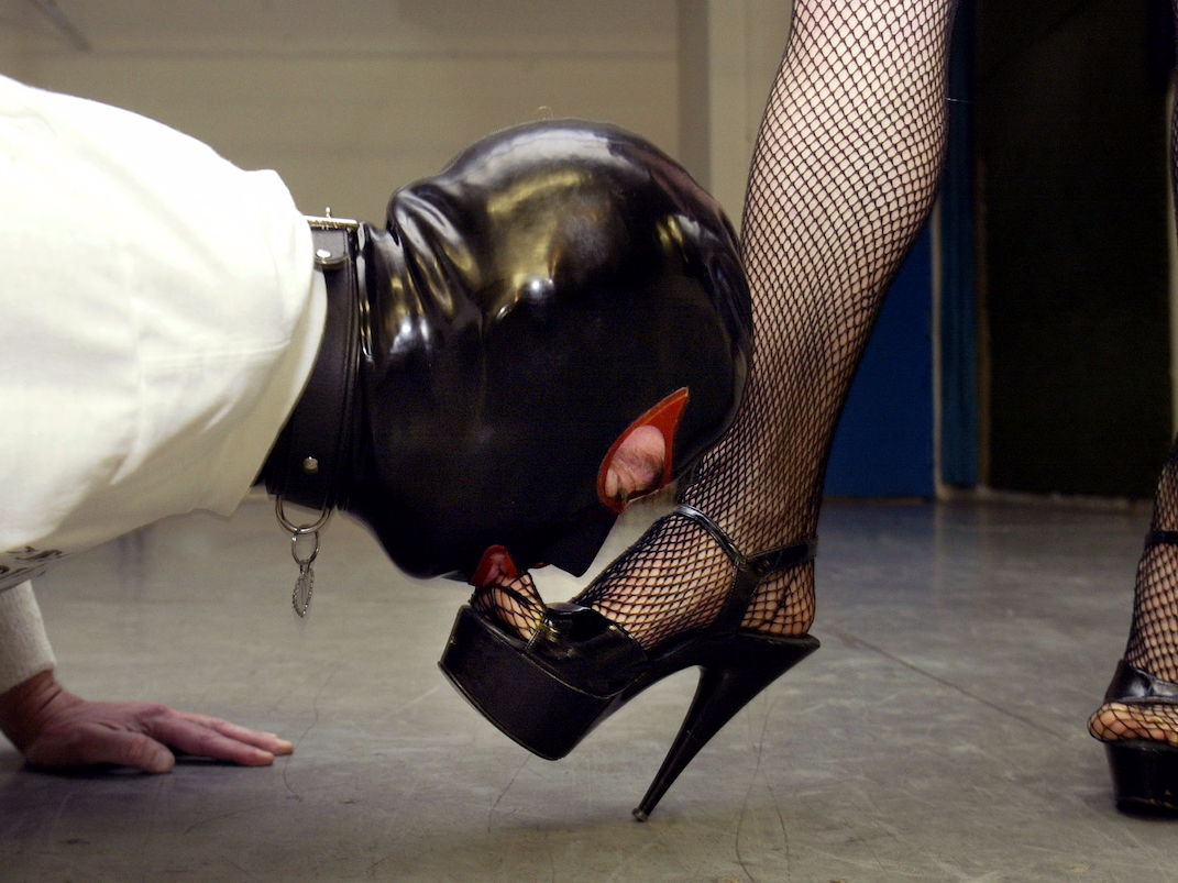 how-women-can-wield-power-to-get-what-they-want-at-work-and-in-their-personal-lives-according-to-a-former-dominatrix.jpg